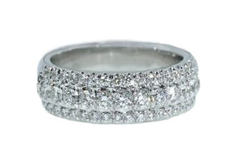 Three-row prong and pave' set diamond band